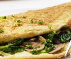 Healthy fluffy spinach & mushroom omelette